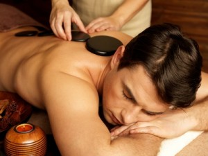 Hot-Stone-Massage in der Massagepraxis im Landhaus Cornelia in Bad Birnbach