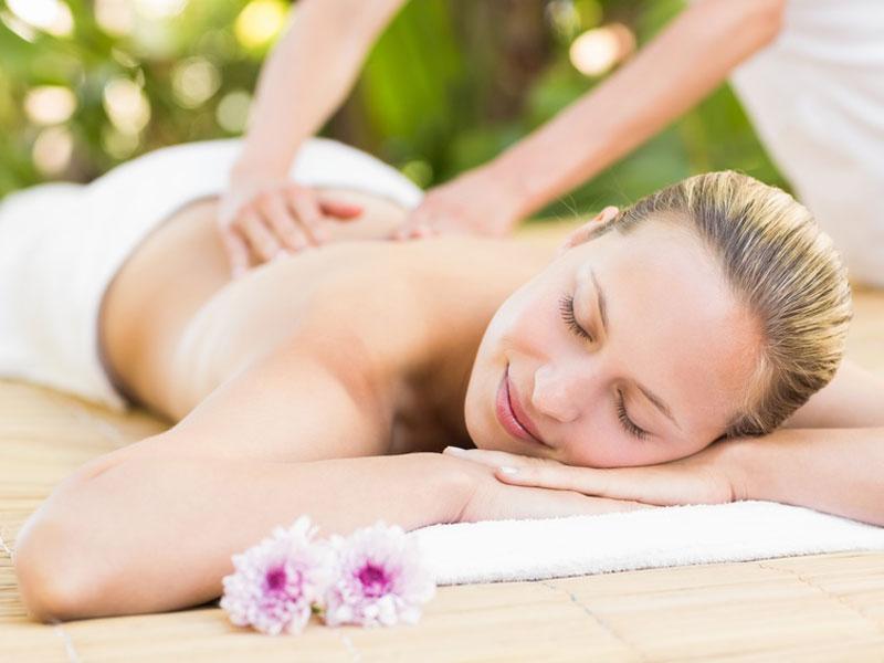 Entspannende Massagen und wohltuende Behandlungen in der Massagepraxis im Landhaus Cornelia.